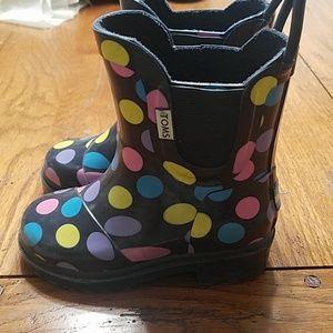 Tom's rain boots